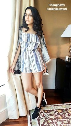 Shraddha Kapoor is the Prettiest Girl Indian Bollywood Actress, Indian Actresses, Indian Celebrities, Bollywood Celebrities, Sraddha Kapoor, Ranbir Kapoor, Shraddha Kapoor Cute, Stylish Girl Images, Girls Dpz