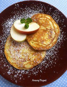 AranyTepsi: Bögrés-almás amerikai palacsinta Hungarian Desserts, Hungarian Recipes, Hungarian Food, My Recipes, Cake Recipes, Cooking Recipes, Pancake Dessert, Baking Tips, Winter Food