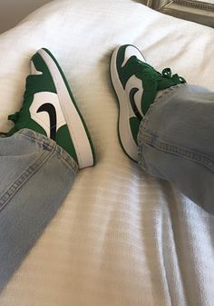 Dr Shoes, Swag Shoes, Nike Air Shoes, Hype Shoes, Me Too Shoes, Jordan Shoes Girls, Girls Shoes, Cute Sneakers, Shoes Sneakers