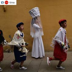 #Repost @time  Today is the ''Bread Procession of the Saint a ceremony in honor of Saint Domingo de La Calzada (1019-1109) who helped poor people. The procession took place earlier today in the small northern Spanish town named after the saint. Every year during spring season ''Las Doncellas'' (the White Virgins) hold on their head a basket covered with white cloth while they walk in the streets of this old village.  Photograph by Alvaro Barrientos@ap.images