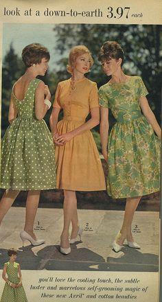 Spiegel 1963 three summer dresses - Love that green polka dot dress Source by carolinebauschr - 1960s Fashion Women, Retro Fashion, Vintage Fashion, Womens Fashion, Fashion 2018, Fashion Models, Fashion Brands, Vintage Outfits, Vintage Dresses