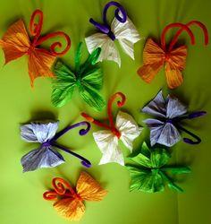 Jarní dekorace: DIY motýlci z krepového papíru Creative Crafts, Diy Crafts For Kids, Classroom Decor, Origami, Paper Crafts, Gift Wrapping, Jar, House Design, Spring