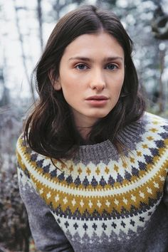 Vardegenser dame Grå Icelandic Sweaters, Fair Isle Knitting, Needlepoint, Autumn Fashion, Fair Isles, Pullover, Crochet, Knits, Pattern