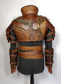 Ursine Witcher leather armor inspired by Geralt Costume image 9 Witcher Armor, Larp Armor, Medieval Armor, Armor Clothing, Medieval Clothing, Leather Armor, Tan Leather, Studded Leather, Costume Armour