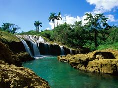 Ilha de Cuba - Cachoeiras El Nicho, Serra de Trinidad, Cuba - Pesquisa Google