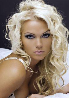 Platinum Blonde With Curls | BeautyTipsnTricks.com479 x 685 | 219.2KB | www.beautytipsntricks.com
