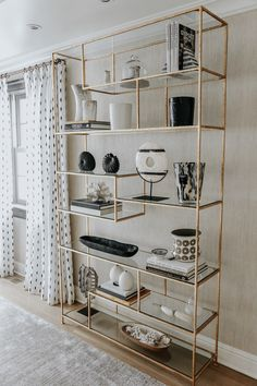 Get The Look: My Dining Room Shelves - Esszimmer Dining Room Console, Dining Room Shelves, Dining Rooms, Living Room Designs, Living Room Decor, Home Decor Inspiration, Shelving, Wall Shelves, Home Accessories