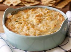 Dip Hot Crab Dip (Paula Deen) I was told by a friend that this is delicious.Hot Crab Dip (Paula Deen) I was told by a friend that this is delicious. Crab Dip Recipes, Seafood Recipes, Seafood Dip, Crab And Spinach Dip Recipe, Seafood Casserole Recipes, Seafood Platter, Quick Recipes, Meat Recipes, Yummy Appetizers