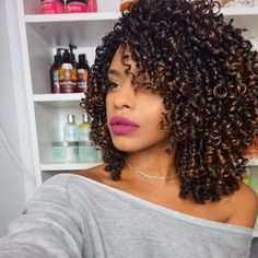 Pin by my info on hair styles in 2019 прически Colored Curly Hair, Black Curly Hair, Black Naturally Curly Hair, Long Natural Hair, Pelo Natural, Curly Hair Styles, Natural Hair Styles, Tie And Dye Chatain, Hair And Beauty