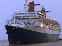 Michel Sardou via you tube Le France - 1975. Le France (rebaptisé Norway en 1979, puis Blue Lady en 2006) était un paquebot transatlantique construit aux chantiers de l'Atlantique à Saint-Nazaire où il fut mis à l'eau, le 11 mai 1960, en présence du président de la République française le général de Gaulle.