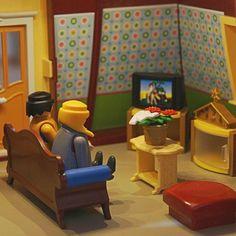 Tarde de sábado, tarde de tele. #playmobil #playmobilove #playmobilefigures #playmo #playmobilworld #playmofigures #toy #iloveplaymo #iloveplaymobil #toyphotography #playmobilfans #clicks #playmographer #instaplaymobil #playmobilspain #playmobilespaña #playmobilviajero #playmobilporelmundo #sharethesmile #geobra #famobil #playmobilcollectorclub