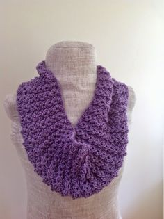 Undeniable Glitter: Lacy Lavender Cowl