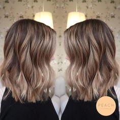 Beige blond hårfärg med lob klippning