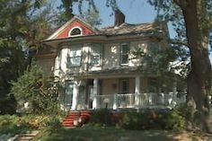 A Gordon Van Tine 1907 catalog Kit Homes, Victorian Homes, Old Houses, Catalog, Van, Modern Homes, House Styles, Building, Vintage