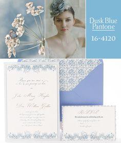 Invitación de boda en pantone Dusk Blue. azulsahara