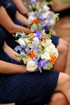 Hello beautiful, bright wedding bouquets! Could we be more obsessed? {Photography by Cynthia}