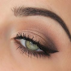 Pretty Natural Eye Makeup Ideas 9