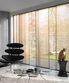 Paneles Japoneses Panel Blinds, Curtains With Blinds, Window Panels, Window Coverings, Panel Curtains, Interior Design Curtains, Gray Interior, Sliding Door Treatment, Patio Shade
