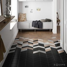 Chevron is a very popular pattern to use, especially for home décor, it's timeless and easily fits any interior. Here are the best ideas to use chevron. Tuile Chevron, Chevron Tile, Herringbone Tile, Grey Chevron, Geometric Tiles, Floor Patterns, Wood Floor Pattern, Transitional Decor, Transitional Kitchen