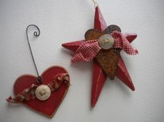 Wood STAR Ornament with Rusty Heart - Primitives - Folk Art - RED - Christmas Winter wreath gorgeous christmas wreath!