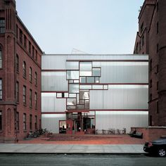 Steven Holl HIGGINS HALL CENTER SECTION, PRATT INSTITUTE Brooklyn, New York, USA 1997/2005