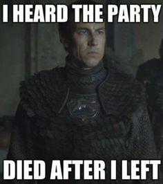 "91 Funny ""Game of Thrones"" memes that any GOT fan will enjoy Khal Drogo, Tyron Lannister, Jaime Lannister, Game Of Throne Lustig, Jon Snow, Game Of Thrones Jokes, Game Of Thrones Instagram, Mejores Series Tv, Got Memes"