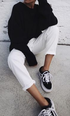 black jumper. white trousers. Vans. everyday late summer. early fall street style.