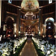 """""""Igreja Nossa Senhora da Consolação. Casamento Bruna e Felipe ❤️ #laisaguiar #rubensdecoracoes @priag @rudiaguiar"""""""