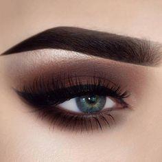 Gorgeous smokey eye @bambiborg #repost @wakeupandmakeup love her ❤️ #hudabeauty