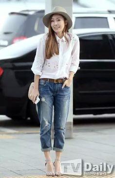 white shirt w bf's jean - Kpop style