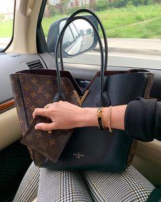2020 LV Trends For Women Style, New Louis Vuitton Handbags Collection Kate Spade Handbags, Chanel Handbags, Handbags Michael Kors, Fashion Handbags, Purses And Handbags, Fashion Bags, Luxury Handbags, Cheap Handbags, Designer Handbags