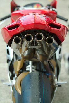 Racing Exhaust MV Agusta F4 1000....oooohhhh NICE