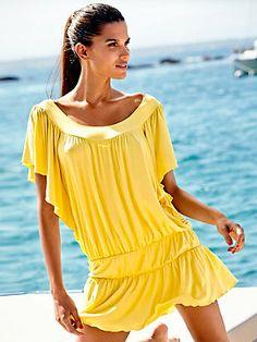 Tendance ananas : robe jaune de plage > illuminez tout le paysage dans cette robe de plage