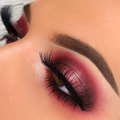 An award-winning waterproof, multitasking, and buildable matte brow pomade that stays put. Acts as an all-in-one eyebrow product. Burgundy Makeup Look, Maroon Makeup, Red Makeup Looks, Black Makeup, Day Eye Makeup, Date Night Makeup, Eyebrow Makeup Tips, Glitter Eye Makeup, Prom Makeup