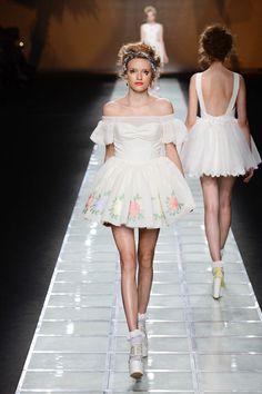 dazzlin13SS Lolita Fashion, Modest Fashion, Fashion Killa, Runway Fashion, Popteen, High Fashion Looks, Fashion Forward, Vintage Outfits, Flower Girl Dresses