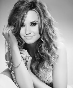 She is the best...times 789927908604400804680798070020022222333333  Lovatic right here!!!!!