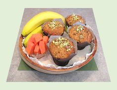 Spiced Papaya-Banana Muffins - Good Food And Treasured Memories Baked Banana, Pistachio, Scones, Great Recipes, Muffins, Good Food, Vegetarian, Brunch Ideas, Baking