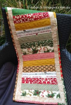 An easy to follow tutorial for this festive table runner - easily made from scraps of Christmas fabric