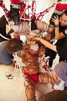 「こんな『キン肉マン』は嫌だ!」ケンコバとザコシが袋とじでハチャメチャ企画「キン縛マン」に挑戦 2枚目/全3枚 313482 | ダ・ヴィンチニュース