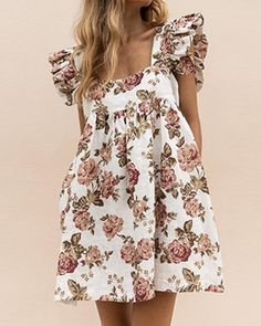 Style:Fashion Pattern Type:Floral Material:Polyester Neckline:Square Neck Sleeve Style:Short Sleeve Length:Mini Occasion:Casual Package Dress Note: There might be difference according to manual measurement.Please check the measurement chart c. Casual Summer Dresses, Party Dresses For Women, Cute Dresses, Dresses With Sleeves, Cotton Summer Dresses, Dress Casual, Trend Fashion, Look Fashion, Fashion Outfits