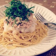 Instagram StoriesでSnapDishオフィスのLunch cookingをきまぐれ配信中 SnapDish 12/1のお昼ごはんは おかなさんのツナ 大根おろしのあっさりパスタ 柚子胡椒風味 #snapdish #foodstagram #instafood #food #homemade #cooking #japanesefood #料理 #手料理 #ごはん #おうちごはん #器  #スパゲッティ #パスタ #pasta #LUNCH #お昼ごはん #ディナー #dinner #tuna #ツナ #大根 #大葉 #和風パスタ #柚子胡椒 #かんたん https://snapdish.co/d/iW5WPa  レシピはこちら