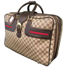 For Sale on - Original Gucci 'GG' monogram suitcase with classic red and green Gucci stripe, leather handles and accents, brass hardware, and luggage tag. Gucci Handbags Outlet, Fashion Handbags, Tote Handbags, Luxury Handbags, Gucci Monogram, Monogram Tote, Classic Handbags, Vintage Handbags, Gucci Brand