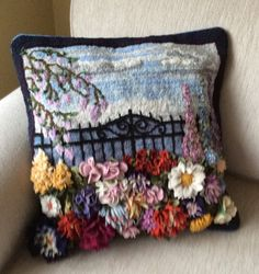 proddy floral pillow