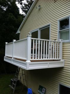 Cantilevered Porch / Deck / Balcony From Master Bedroom. Trex Decking,  Vinyl Railings, Part 67