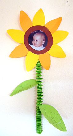 Sonnenblume mit Kinderfoto - Muttertag-basteln - Meine Enkel und ich - Made with schwedesign.de