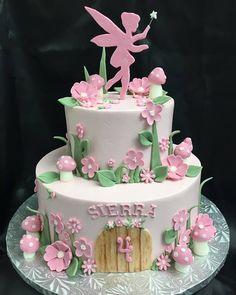 Ideas For Garden Fairy Birthday Party Cake Tinkerbell Birthday Cakes, Garden Birthday Cake, Garden Party Cakes, Fairy Birthday Party, Birthday Cake Girls, 5th Birthday, Birthday Ideas, Bolo Tinker Bell, Fairy Garden Cake