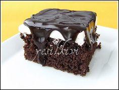 birçok ağlayan pasta denemem oldu bugüne kadar ama lezzet olarak en tatmin edici olan kesinlikle pastacı burcu'nun tarifiydi…ben keki bir … Continue Reading →