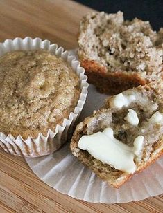 Get this healthy Banana Applesauce Muffin recipe for a delicious snack on the go!Source From Get this healthy Banana Applesauce Muffin recipe. Banana Muffins No Sugar, Healthy Banana Muffins, Applesauce Muffins, Healthy Muffin Recipes, No Carb Recipes, Diabetic Snacks, Banana Recipes, Applesauce Recipes, Apple Muffins