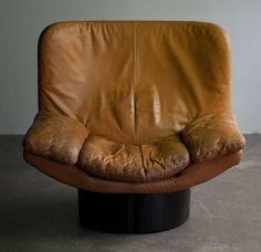 Titiana Ammannati & Giampiero Vitelli; Gel-Coated Fiberglass and Leather Lounge Chair for Comfort, 1960s.