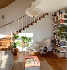 """We can't stop """"stairing"""" at this monstera under the stairs. Interior Exterior, Interior Design, Aesthetic Room Decor, House Rooms, Cozy House, Home Bedroom, My Dream Home, Dream Land, Decoration"""